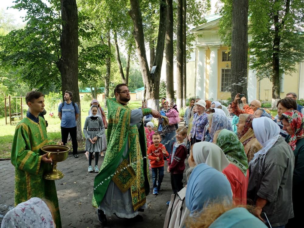 Престольный праздник Перенесения мощей прп. Сергия Радонежского