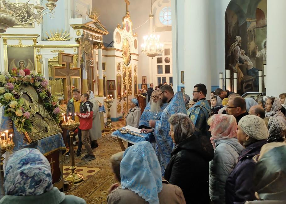 Престольный праздник в честь Гребневской иконы Божией Матери